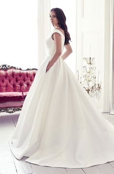designer wedding dresses and couture bridal gowns by Suzanne Neville - Portrait Collection 2017 - Monet Amazing Wedding Dress, Classic Wedding Dress, Dream Wedding Dresses, Designer Wedding Dresses, Bridal Dresses, Wedding Gowns, Wedding Bells, Suzanne Neville Wedding Dresses, Collection 2017