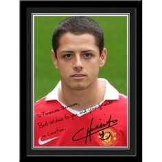 """I love soccer and """"el chicharito"""" Hernandez Manchester United Gifts, Manchester United Legends, National Football Teams, Man United, Celebrity Hairstyles, Soccer Players, Polo Ralph Lauren, Mexico, Celebrities"""