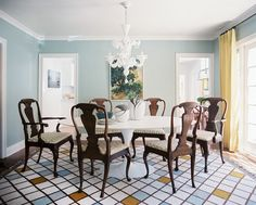A patterned rug adds serious pizzazz