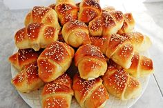 Greek Pita, Greek Pastries, The Kitchen Food Network, Healthy Snacks, Healthy Recipes, Bulgarian Recipes, Greek Recipes, Hot Dog Buns, Food Network Recipes