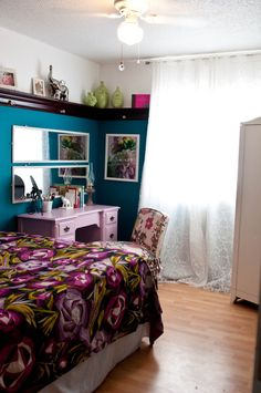 Tiny but bold bedroom
