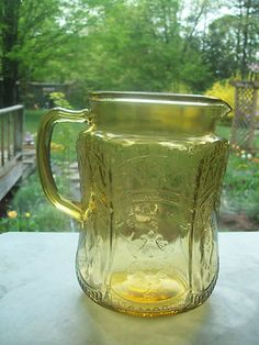 The color is clear and bright with no cloudiness or scratches – appears to be used very little! Vaseline Glass, Barbie Dream House, Glass Vessel, Shades Of Yellow, Glass Dishes, Carnival Glass, Vintage Glassware, Antique Glass, Glass Collection