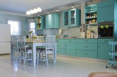16 Superb Ideas For Colorful Kitchen Designs To Refresh Your Home - Top Inspirations