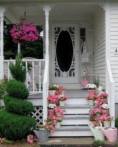 Shabby chic porch with vintage screen door & pink flowers, recreate door look Cottage Porch, Cottage Style, Porch Garden, Garden Venue, White Cottage, Rose Cottage, Cottage Chic, Vintage Screen Doors, Do It Yourself Design