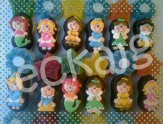 paletas de bubulubu decoradas con princesas y gomitas
