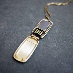 Mini USB Locket - lifestylerstore - http://www.lifestylerstore.com/mini-usb-locket/