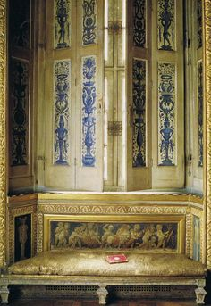 The World of Interior April '09 Trouvais The internal shutters in the Galerie de Psyché were painted in 1660 by Du Hamel… a little known artist who worked on the Queen's Apartment at Fountainbleu