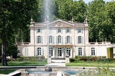 Chateau Ventoux - Luxury Holiday Villa in Ventoux Area, Provence (France) Architecture Classique, French Architecture, Classical Architecture, Beautiful Villas, Beautiful Homes, Beautiful Places, French Castles, Luxury Villa Rentals, French Chateau