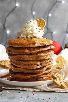These warmly spiced Gingerbread Pancakes will be perfect for Christmas morning! … These warmly spiced Gingerbread Pancakes will be perfect for Christmas morning! Buttermilk Pancakes Fluffy, Pancakes And Waffles, Breakfast Pancakes, Breakfast Club, Christmas Desserts, Christmas Baking, Christmas Pancakes, Christmas Treats, Merry Christmas
