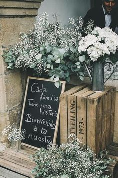 36 Rustic Wooden Crates Wedding Ideas ♥ One of the budget-friendly element of country wedding is wooden crates. In our guide of wooden crates wedding ideas, we gathered the most pinned pictures. Diy Wedding, Rustic Wedding, Wedding Flowers, Dream Wedding, Wedding Ideas, Wedding Scene, Wedding Dresses, Elegant Wedding, Wedding Bride