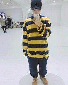 : 170902 Rap Monster's Tweet 연습룩 피쳐링 호석, 태형, 득샘 #김데일리 My (fashion) look for practice - featuring Hoseok, Taehyung, DeukSsaem #KimDaily _ #방탄소년단 #BTS #RapMonster #랩몬스터 #Jungkook #정국 #V #뷔 #Suga #슈가 #Jhope #제이홉 #Jin #진 #jimin #지민