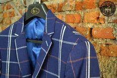Como prometido, uma novidade por semana!   Essa semana é dia da nova coleção de blazers da Raffer! Não são só blazers, são conceitos!   O blazer além do caimento perfeito, são desenhados pelo estilista uruguaio, Luís Alberto Neri.  O cara é um gênio quando o assunto é alta custura!  Raffer é mais uma marca exclusiva da Medianeira Men's Clothing.   #UseMedianeira