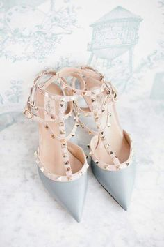 Love how this gorgeous Valentino shoes, features the Pantone Colors of the Year, Rose Quartz + Serenity . Cute Shoes, Me Too Shoes, Pretty Shoes, Stilettos, High Heels, Shoe Boots, Shoes Heels, Strap Heels, Sandal Heels