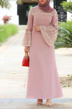 Plus size Modest Dresses Abaya Fashion, Muslim Fashion, Modest Fashion, Fashion Dresses, Fashion Women, Fashion Online, Fashion Stores, Style Fashion, Muslim Dress
