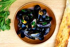 Steamed Mussels with Garlic and Parsley - NYT