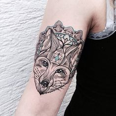 little afternoon fox for manuela. thanks #foxtattoo #dotwork...