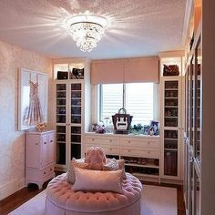 Breathtaking Teenage bedroom remodel kid photos,Attic bedroom remodel reading nooks and Girls bedroom remodel interior design. Walking Closet, Pink Closet, Closet Bedroom, Master Closet, Girls Bedroom, Master Bedroom, Dressing Room Design, Dressing Rooms, Basement Bedrooms
