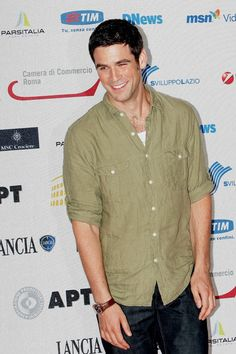 Eddie Cahill Photos - American actor Eddie Cahill, of the television series 'CSI New York' attends the fifth day of Roma Fiction Fest 2008 on July 2008 in Rome, Italy. Les Experts Manhattan, Eddie Cahill, Beautiful Men, Beautiful People, Evolution Of Fashion, Hot Actors, Celebs, Celebrities, Attractive Men