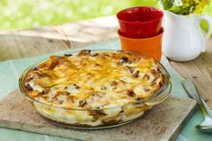 Lasagne - en italiensk klassiker og en tidløs familiefavoritt. Quiche, Cauliflower, Macaroni And Cheese, Pasta, Vegetables, Breakfast, Ethnic Recipes, Food, Lasagna