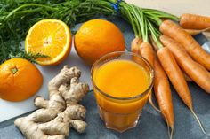 Orange Carrot and Ginger Detox Juice is sweet refreshing healthy fresh and simple. Oranges are full of vitamins C and A. These vitamins give your immune. Detox Your Liver, Liver Cleanse, Detox Your Body, Juice Cleanse, Cleanse Detox, Liver Detoxification, Healthy Juice Recipes, Healthy Juices, Healthy Drinks
