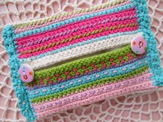 Pocket size tissue cover, free pattern by P'ink´s