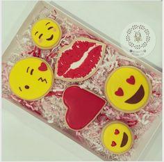 """Jessie Huynh on Instagram: """"#valentinecookies #valentine #sugarcookies #decoratedcookies #cookies #busybee0715 #emojis #emojicookies"""""""