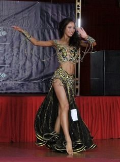 Фотография Belly Dancer Costumes, Belly Dancers, Dance Costumes, Tribal Fusion, Dance Oriental, Dance Like This, Harem Girl, Belly Dance Outfit, Dance Leotards