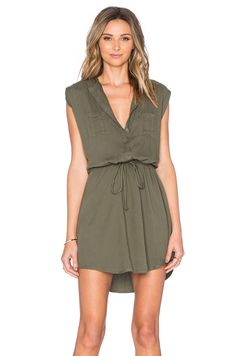 Love the color and style of this dress. Looks comfy and casual for summer. Probably too short for me!