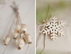 Two Simple Wrapping Christmas Ideas with Natural Materials // Две семпли идеи за пакетиране на коледни подаръци с естествени материали