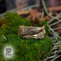 Odin's Ravens Ring. Huginn and Muninn Ring. Raven Ring. Viking ring. Odin. Viking Jewel. Pagan Jewellery. Viking wedding ring. Celtic