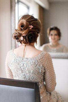 Matching Wedding Bands, Wedding Matches, Cartier Wedding Bands, Pakistani Wedding Photography, Indian Aesthetic, Cute Girl Poses, Rose Hair, Bridal Shoot, Pakistani Outfits