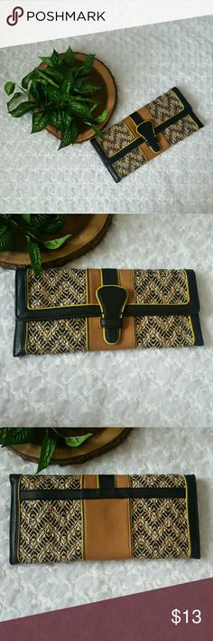 """Cute and Flirty Woven Detail Limited Clutch This cute and flirty woven detail Aldo clutch is perfect for date night.  Flap magnetic closure Bottom width - appx. 11.5"""" Height- 5.5"""" Side zipper and slip pockets w/clean lined interior  EUC. Used once. Smoke and pet free home.   No Trades! Bundle and Save! Free thank you gift!  Inquire below with questions! Hit offer button with a reasonable offers. Never declined!   Thanks for looking, shopping, and saving! The Limited Bags Clutches & Wristlets"""