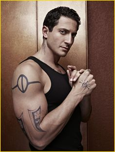 Sasha Roiz (Captain Sean Renard in television series, Grimm): Eye Candy, Sasha Roiz, Grimm Tv Series, Grimm Tv Show, O Grimm, Grimm Cast, Grimm Tales, Gorgeous Men, Beautiful People, Hello Gorgeous