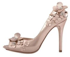 Damn, these would have complimented my dress perfectly. SOLD OUT Karen Millen Flower Applique peep - Google Search