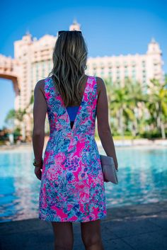 How to style a Lilly Pulitzer Cassa Shift Dress which features cutouts, a built-in bandeau and a fun tropical tiki print. Preppy Outfits, Preppy Style, Cool Outfits, Preppy Fashion, Daily Fashion, Southern Marsh, Southern Tide, Southern Prep, Cutout Dress
