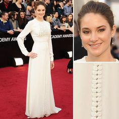 Shailene Woodley in Valentino, Oscars 2012. Oh how I do love a good longsleeved, high neckline unicolour gown and no-nonsense styling.