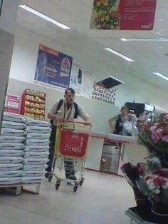 Hitler guy at local store. Dankest Memes, Funny Memes, Hilarious, Adult Humor, Puns, Funny Animals, Haha, Funny Pictures, Funny Things