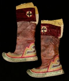 Pair of Tibetan Boots - Tibet, 19th-early 20th c, wool, leather