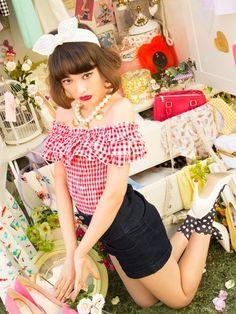 Tina Tamashiro Vivi magazine