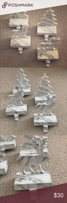 Pack x 2 Embossed Holly Antique Brass Christmas Mantel Clips Stocking Holder