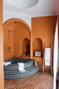 spanish style homes - moroccan tiled soaking tub - corner tub - indoor hot tub spa - vacation homes. spanish style homes - moroccan tiled soaking tub - corner tub - indoor hot tub s. Style At Home, Home Design, Decor Interior Design, Eclectic Design, Interior Plants, Key Design, Interior Ideas, Corner Tub, Bathtub Tile