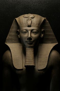 Thutmosis III, Egypt, Luxor Museum, New Kingdom, Karnak Temple, 18th dynasty, greywacke statue
