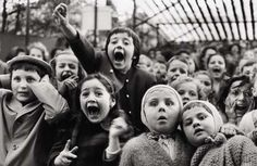 The Puppet Show photographed by Alfred Eisenstaedt, 1963
