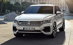 Download wallpapers Volkswagen Touareg, 2018, 4k, business class, new white Touareg, exterior, front view, German cars, white SUV, Volkswagen