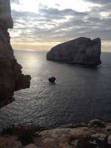 Belvedere di Capo Caccia: isola Foradada http://lisoladiminu.it/in-sardegna-fuori-stagione-prima-puntata-alghero/
