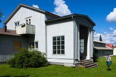 alajärvi - villa väinölä - Aalto Nordic Classicism, Board And Batten Siding, Alvar Aalto, Classical Architecture, Finland, Countryside, Facade, Shed, Villa