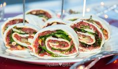 * Wraps With Carpaccio * Lunch Snacks, Snacks Für Party, Healthy Snacks, Healthy Recipes, Tapas, I Love Food, Good Food, Yummy Food, Appetizer Recipes