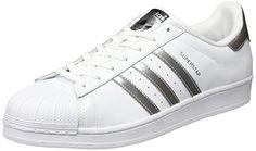 adidas Unisex-Erwachsene Superstar Low-Top Obermaterial: Leder Innenmaterial: Textil Sohle: Gummi Verschluss: Schnürsenkel Absatzhöhe: 3 cm Absatzform: Flach.