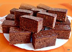 Érdekel a receptje? Cake Decorating, Sweet Treats, Dessert Recipes, Easy Meals, Gem, Muffins, Cooking Recipes, Sweets, Candy