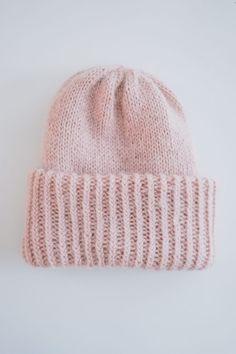 Chunky_Beanie (1 of 9) Knitting Patterns Free, Free Knitting, Free Pattern, Knitting Socks, Knitted Hats, Beanie Hats, Knitting Projects, Handicraft, Knit Crochet